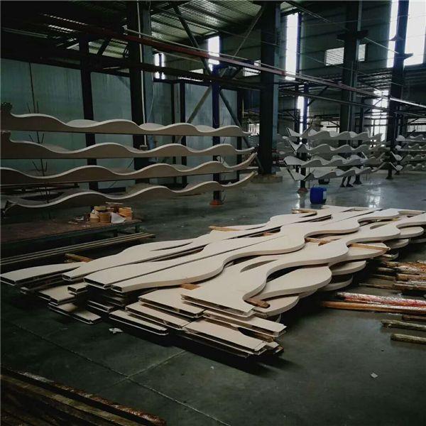 木纹弧形铝方通厂家 (1)